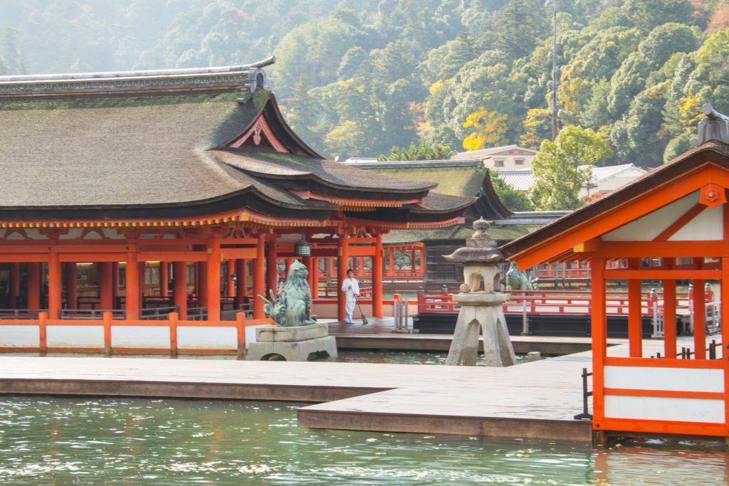 Hiroshima and Miyajima Island from Kyoto – My Favourite Away Day in Japan